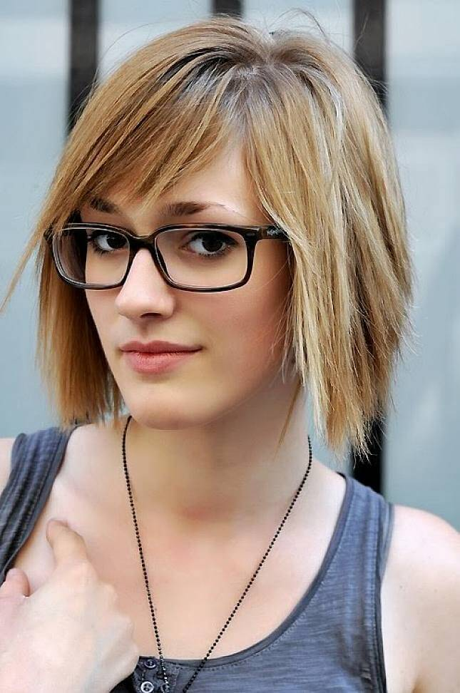 hairstyles-with-glasses-to-show-the-cute-appearance